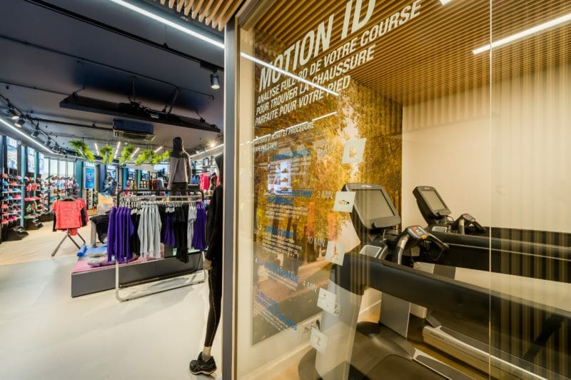 Flagship Store Asics