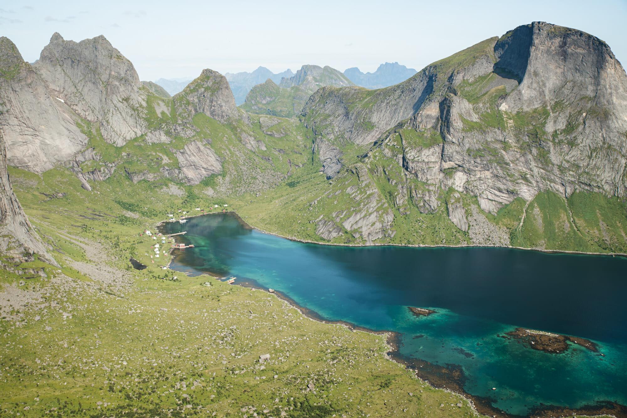 Packraft dans les Lofoten et ascension du Helvestinden