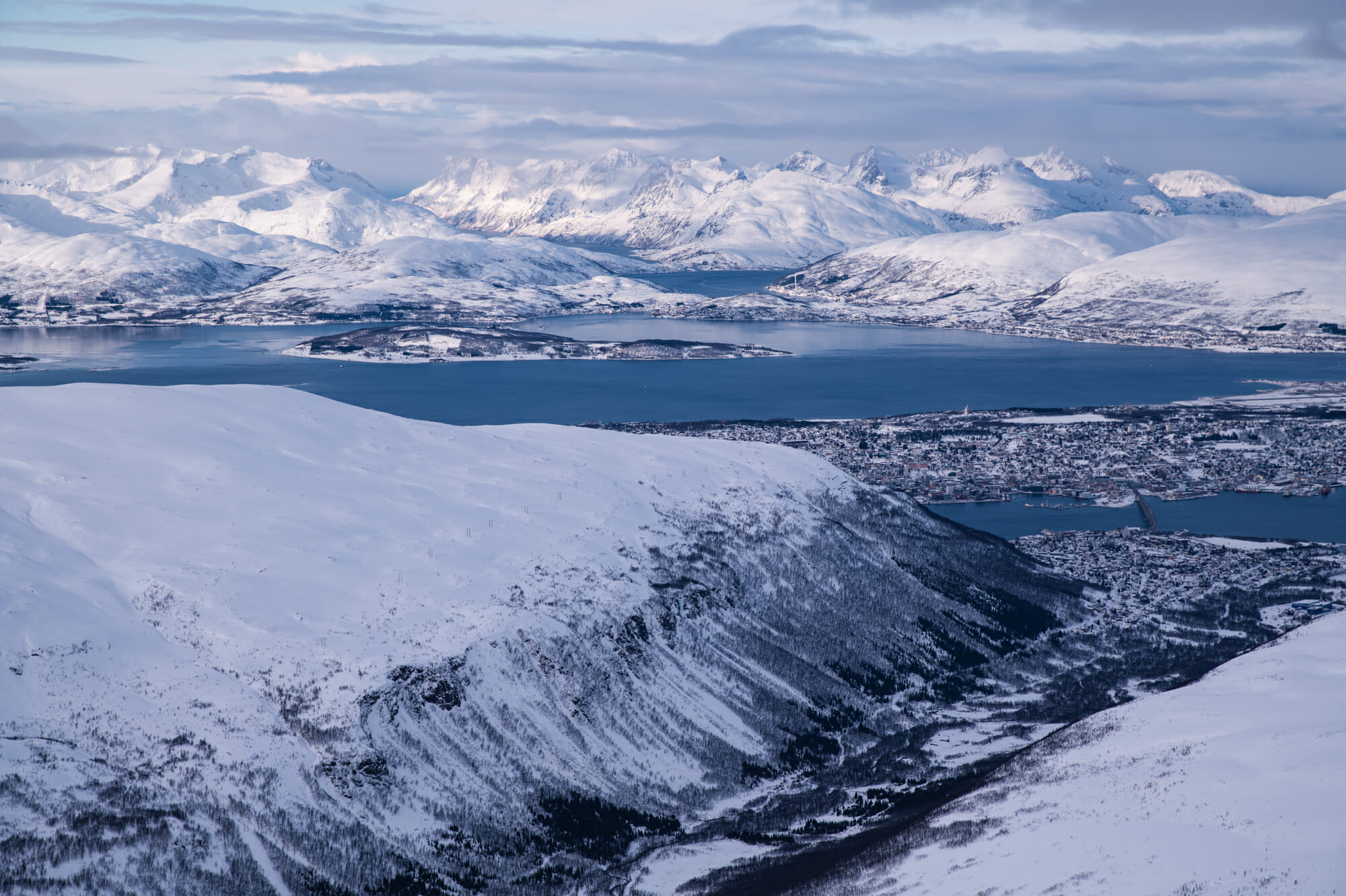 Ascension du Tromsdalstinden en raquette