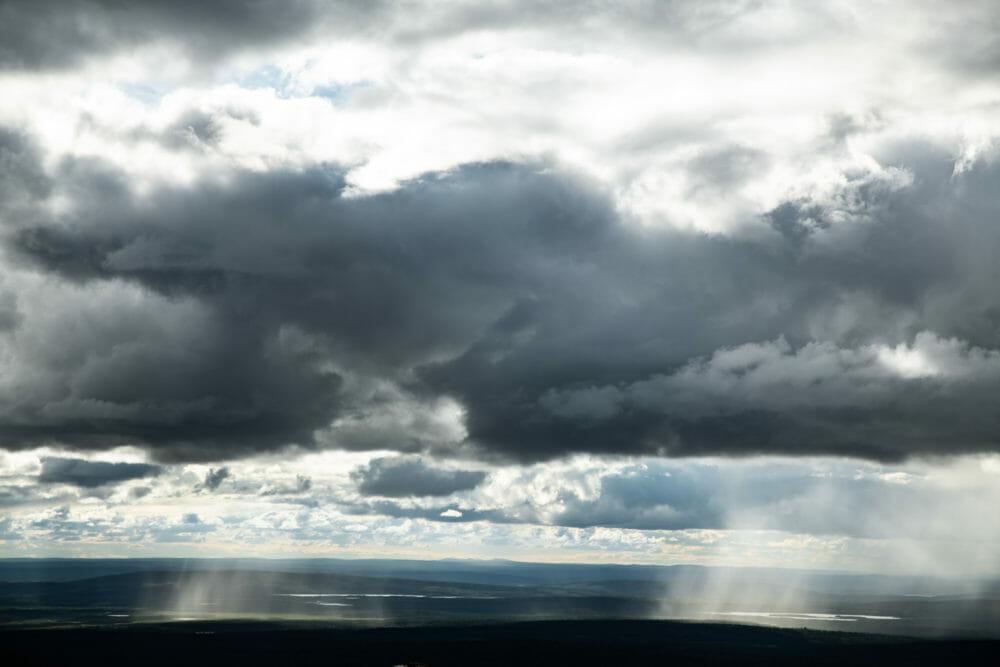 Rideaux de pluie au coeur de Pallastuntunri en Laponie finlandaise, Itinéraire de 7 jours en Laponie, parcs nationaux finlandais
