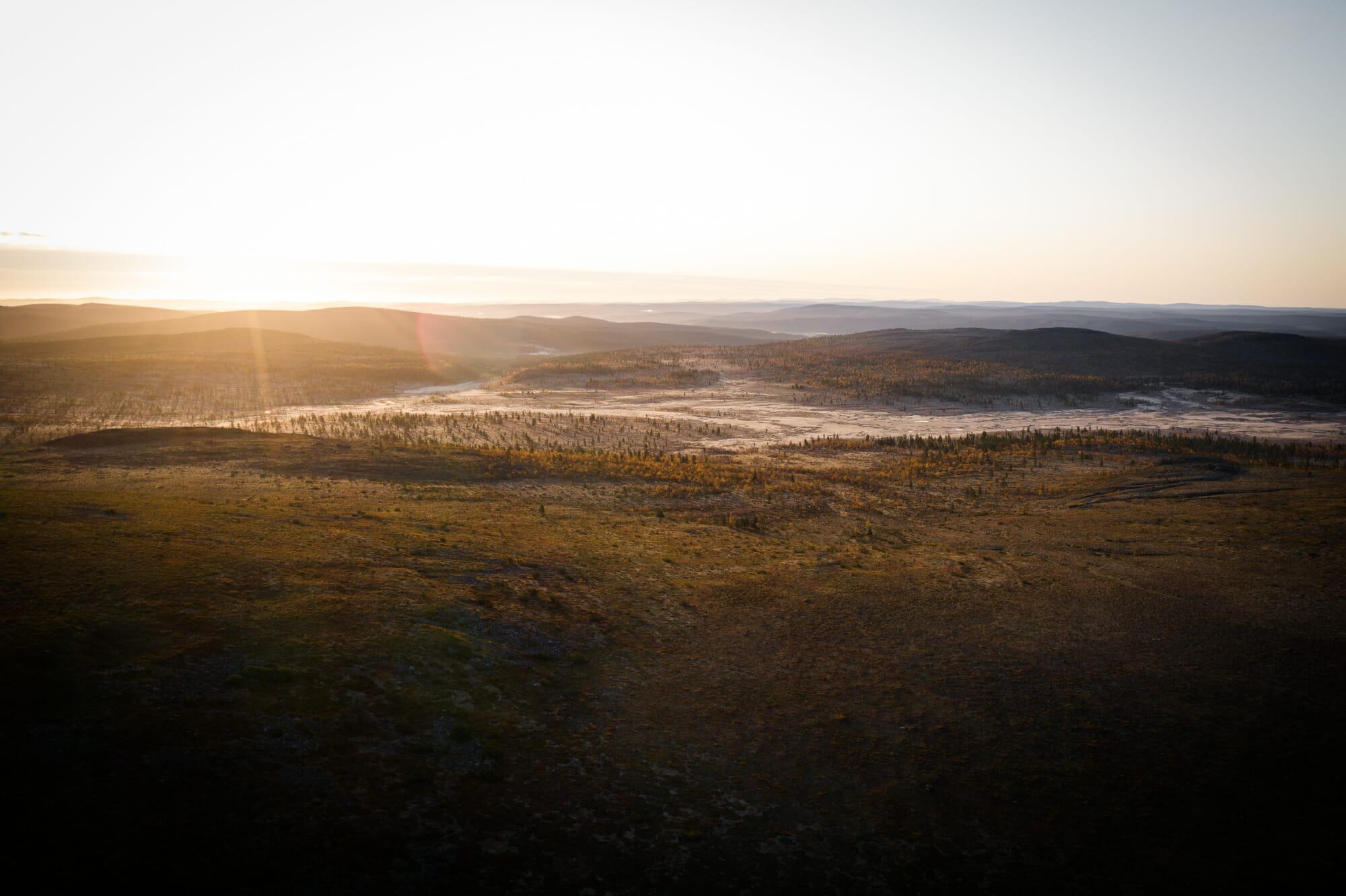 Lever de soleil dans la zone sauvage d'Hammastunturi