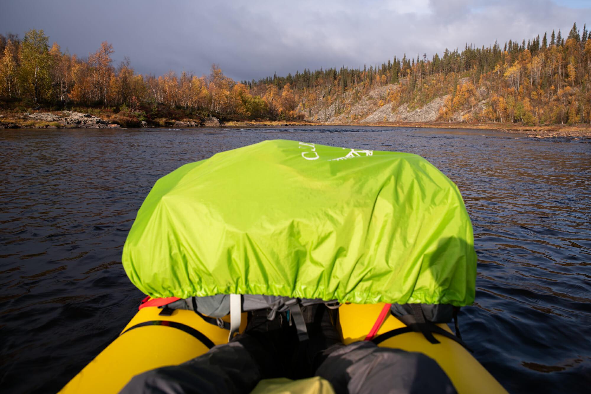 Sac Osprey sur packraft Kokopelli, Ivalojoki en packraft