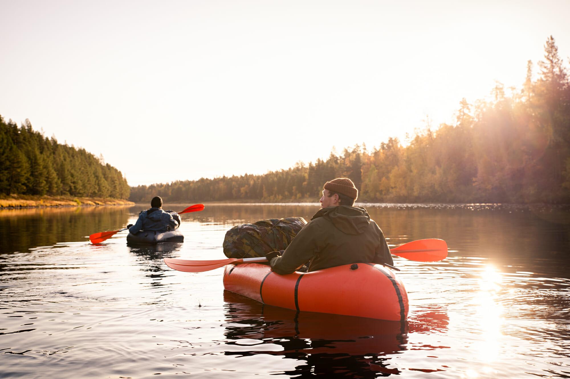 Ruska et packraft sur l'Ivalojoki