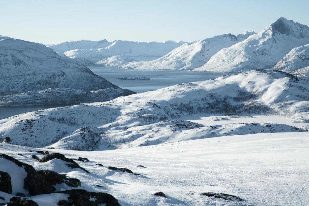 Vue sur l'île de Kvaløya