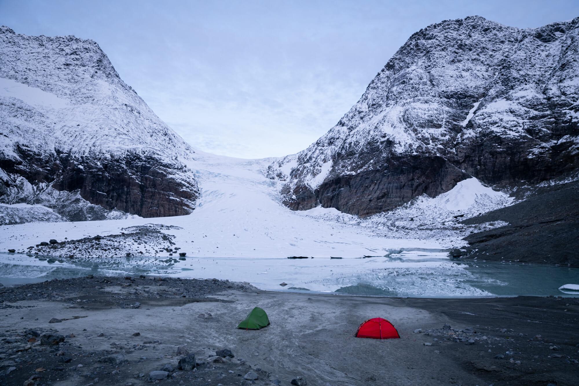 Bivouac au pied du glacier de Steindalen